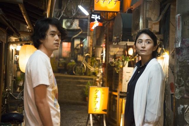 池松壮亮、15歳年上彼女と熱愛!? 『続・深夜食堂』で魅せるリアルな演技