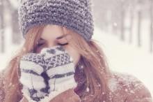冬になったらやりたくなる!雪モチーフのネイルカラー別まとめ