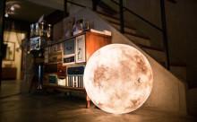 お部屋でお月見!月の形のランプが美しすぎる