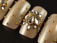 キラキラ可愛い♡おしゃれでお上品な王冠モチーフのネイル集