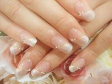 指を長くキレイに演出♡永久定番【ななめフレンチ】実例集