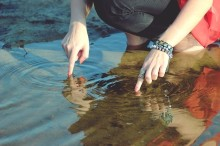 爪が小さい人に贈る♪ネイルケア×シンプルネイルでかわいい指先に。