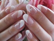 指を長くキレイに魅せてくれる効果も♡定番【ななめフレンチ】ネイルを極めましょ!!