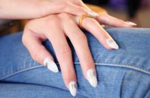 指先スラリ☆使いやすい、短めのポイント形ネイル