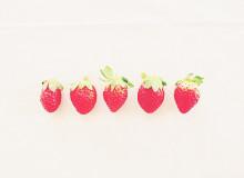 ぷくっ*とした可愛さにきゅん♡真っ赤に熟したイチゴ柄◎いちごネイルデザイン