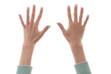 爪が短い・小さい人でもOK!ショートネイルが人気上昇中