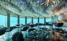 """死ぬまでに訪れたい!水面下6mの""""海中レストラン""""が美しすぎる"""