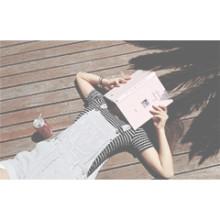 さわやかな夏*ボーダーの流行トレンドネイルデザインで男女ウケネイルを♡