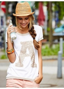 夏の定番「Tシャツ」に合わせたい♡テイスト別ネイルデザイン