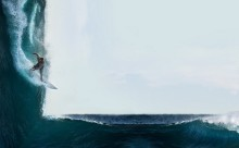 垂直の海でサーフィン!?異次元みたいな風景写真がスゴイ!
