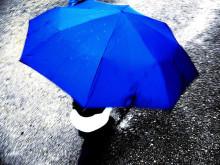 ユニーク&キュートな梅雨ネイル♪【傘モチーフ】でメイクする最旬な指先