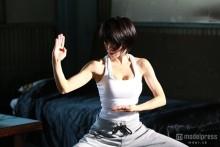 釈由美子、美バスト&鍛え上げたボディ披露 14年ぶりの本格アクションに挑む