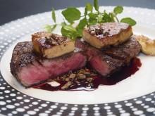 西麻布に炎の舞台あり、赤身肉の最高峰で幻の和牛「短角牛」を究極の調理法で味わおう!