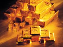 指先にゴールドを取り入れて♡魅惑のゴールドネイルデザイン