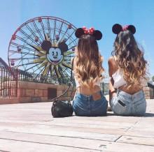 Disney行くなら…いつものネイルにさりげなく【隠れミッキー】が可愛い♡