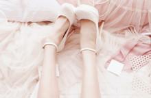 女の子だもん、甘さは絶対条件…♡PUREでおフェロな白レースネイルデザイン♡