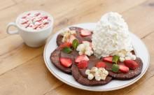 チョコレート×イチゴが絶品!「Eggs 'n Things」がバレンタイン限定パンケーキを発売