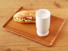 おいしい牛乳。かわいいカップ。朝のテンションアゲなもの