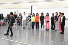 """AAA末吉秀太、""""日本一可愛い女子高生""""ファイナリストを激励訪問 優しい指導に感激"""