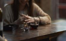 アジア初!ワインやビールが楽しめる「黒いスタバ」が丸の内にオープン♪