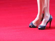 足のむくみは人生の無駄。自宅で簡単にスッキリさせる方法
