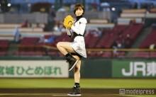"""篠田麻里子、ミニスカで美脚披露も""""ノーバン""""ならず「30点くらい」"""