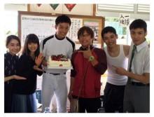 土屋太鳳、竹内涼真は「キラキラした人」 映画「青空エール」キャスト陣らでバースデー祝福