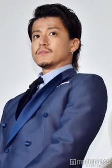 小栗旬、蜷川幸雄さんの訃報に「辛いです」やり切れない思いを吐露