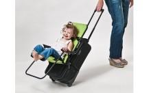 荷物と一緒に子どもを運べる☆取り付け式キッズチェアーが旅行に大活躍!