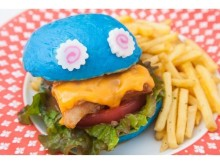 SNSでも話題沸騰、ブルーのバンズにくぎ付け!カラフル&ポップなクリエイティブ料理の最新作がまたもやスゴイ☆
