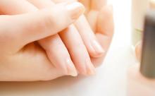 大人女子のネイルケア「指先を美しく見せる」4つのポイント