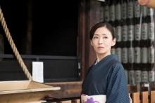 橋本愛&成海璃子が松雪泰子の娘に 美女集結に反響「透明感がすごい」