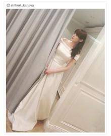 貫地谷しほりのウエディングドレス姿が女神級「着ちゃいました」