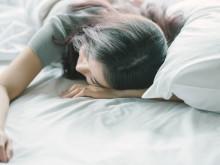 うつ伏せは消極的。では横向きは? 寝相で性格がわかる