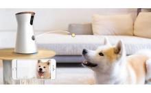 離れていてもいつも一緒♡おやつが飛び出す世界初のドッグカメラ「Furbo」がステキ