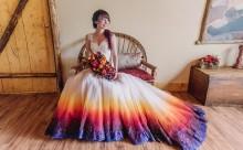 普通のドレスじゃものたりない!グラデーションカラーのウェディングドレスが個性的でかっこいい