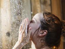 朝シャワーは42度で顔色明るくなる