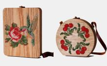 ノスタルジックなのに斬新!クロスステッチをあしらった木製バッグがキュート♡