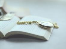 読書の秋で知的美人!モテ女が本を読む3つの理由