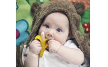 ママも赤ちゃんもにっこり♡ミニバナナを模ったベビー用歯ブラシが可愛すぎ