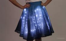 """ハロウィン・コスチュームにオススメ☆暗闇でキラキラ輝く""""LEDスカート""""に目が釘付け"""