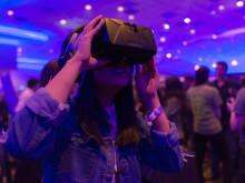 ファンデついちゃう...。VRをプレイするときメイクしてる?