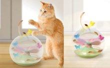 飛びまわる蝶に大興奮!猫の習性を利用したペット用おもちゃ