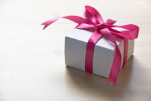 意外な結果が明らかに!? 「カレにあげて喜ばれたクリスマスプレゼント」ベスト3