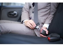 後席でもシートベルトを!画像をシェアして事故防止