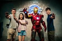 ディズニーパーク初!「アイアンマン」アトラクションが香港でオープン 250種類のマーベルグッズも