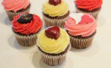 これはあげたくなる♪「ローラズ・カップケーキ」バレンタインスペシャルが華やか♡