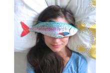 ラベンダーの香りに癒やされる♡ユーモア溢れるお魚アイピローがかわいい!