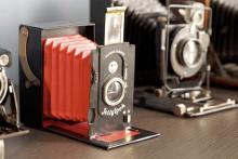 軽くてエコな段ボール製♪世界初「折りたたみカメラ」のレトロなフォルムがカワイイ♡