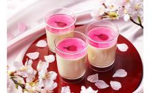 """さくらもちのようなソースが絶妙♪パブロの新作チーズプリンは""""桜""""をあしらった春仕様"""